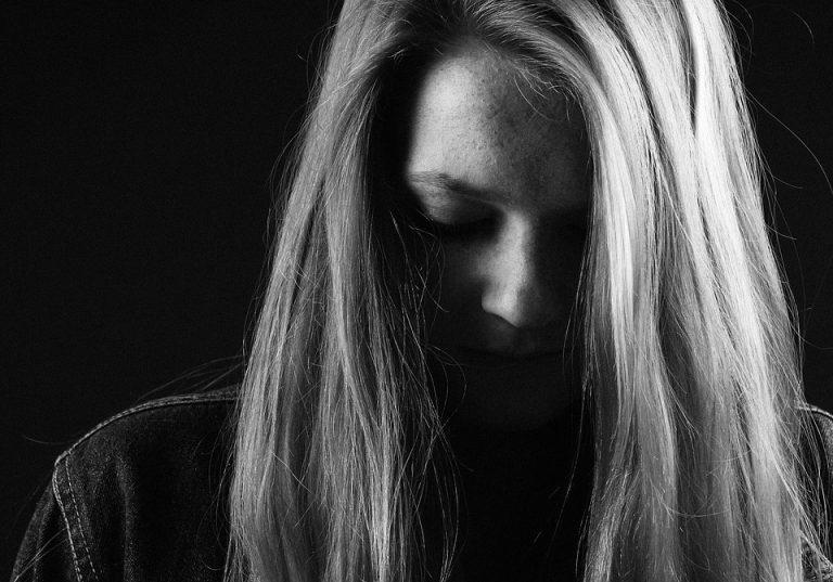 Cómo superar el duelo: Sobrellevando la pérdida de un ser querido